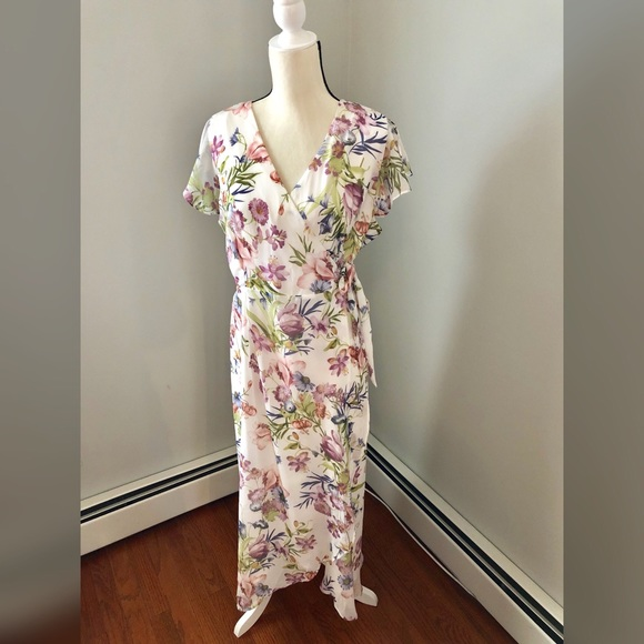 887c9dbfb9e1 New York & Company Dresses | Nyco Sweet Pea Whitefloral Wrap Dress ...